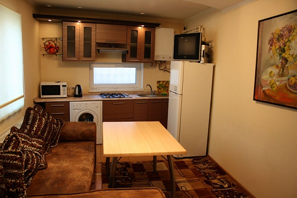 3-комнатная квартира посуточно в Одессе. Фонтанская дорога, 89. Фото 1