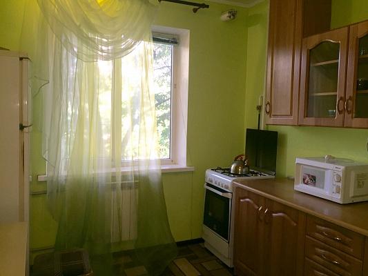2-комнатная квартира посуточно в Киеве. Святошинский район, ул. Якуба Коласа, 23. Фото 1