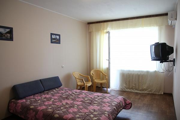 1-комнатная квартира посуточно в Южном. пр-т Григорьевского Десанта, 30. Фото 1