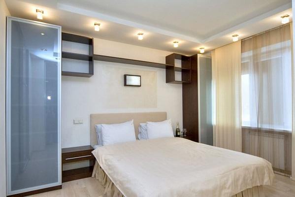 2-комнатная квартира посуточно в Киеве. Печерский район, б-р Леси Украинки, 19. Фото 1