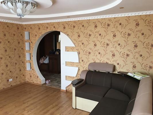 2-комнатная квартира посуточно в Чернигове. Новозаводской район, ул. Попова, 34б. Фото 1