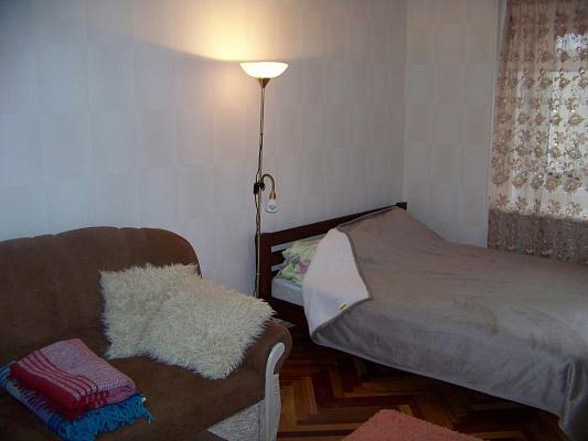 1-комнатная квартира посуточно в Чернигове. Деснянский район, пр-т Мира, 61. Фото 1