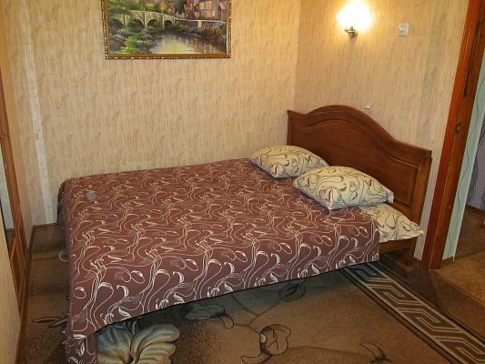 1-комнатная квартира посуточно в Измаиле. пр-т Мира (Ленина), 27. Фото 1