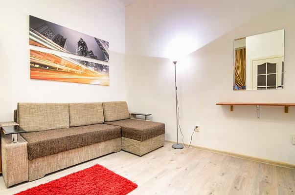 1-комнатная квартира посуточно в Львове. Галицкий район, ул. Менцинского, 3. Фото 1