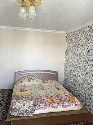 2-комнатная квартира посуточно в Белой Церкви. б-р Михаила Грушевского, 10. Фото 1
