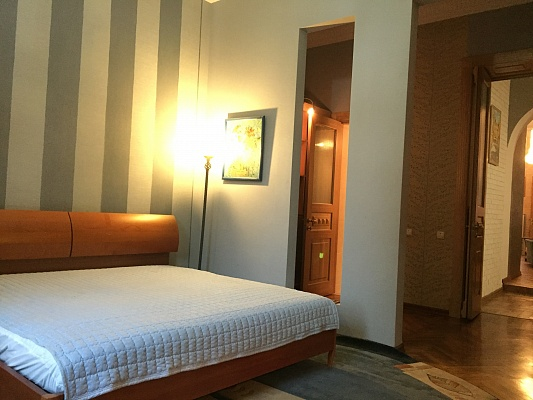 3-комнатная квартира посуточно в Одессе. ул. Уютная, 8. Фото 1