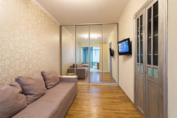 1-комнатная квартира посуточно в Харькове. ул. Культуры, 10. Фото 1
