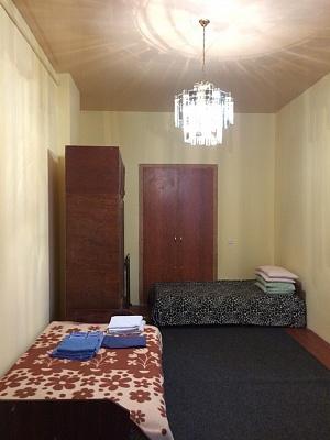 1-комнатная квартира посуточно в Львове. Галицкий район, ул. Шпитальная, 13. Фото 1