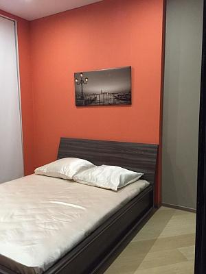 1-комнатная квартира посуточно в Одессе. Гагаринское Плато, 5а. Фото 1