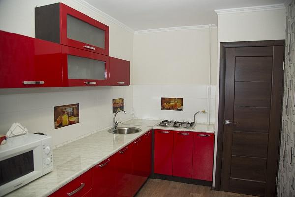 2-комнатная квартира посуточно в Мариуполе. пр-т Мира, 96. Фото 1