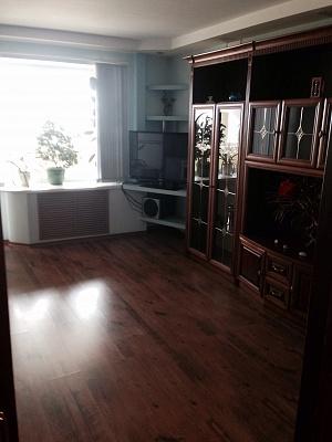 2-комнатная квартира посуточно в Ильичёвске. ул. Парковая, 36. Фото 1