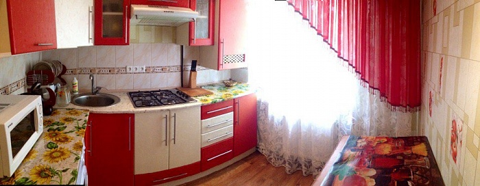 2-комнатная квартира посуточно в Хмельнике. ул. Котовского, 10. Фото 1