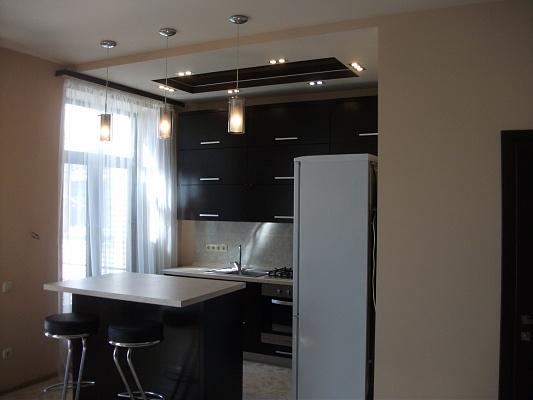 4-комнатная квартира посуточно в Одессе. ул. Набережная, 30. Фото 1