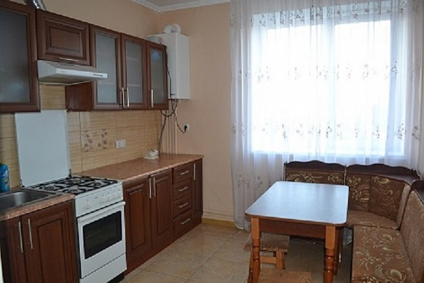 2-комнатная квартира посуточно в Ивано-Франковске. пер. Ключной, 3. Фото 1
