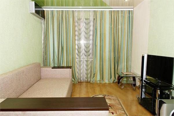 1-комнатная квартира посуточно в Днепропетровске. Бабушкинский район, пр-т Слобожанский, 12. Фото 1