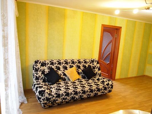 2-комнатная квартира посуточно в Запорожье. Орджоникидзевский район, б-р Гвардейский, 147а. Фото 1