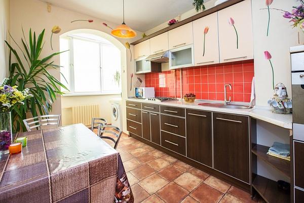 2-комнатная квартира посуточно в Одессе. Киевский район, ул. Королёва, 76/1. Фото 1
