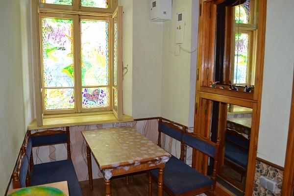 2-комнатная квартира посуточно в Одессе. Приморский район, ул. Конная, 8. Фото 1