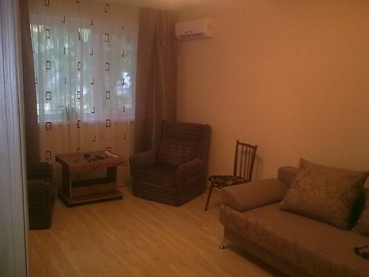 2-комнатная квартира посуточно в Керчи. Еременко, 43. Фото 1