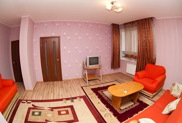 3-комнатная квартира посуточно в Одессе. Приморский район, Среднефонтанская, 19б. Фото 1