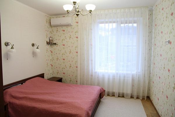 3-комнатная квартира посуточно в Алуште. с. Лавровое, ул. Фрунзенская, 2а. Фото 1
