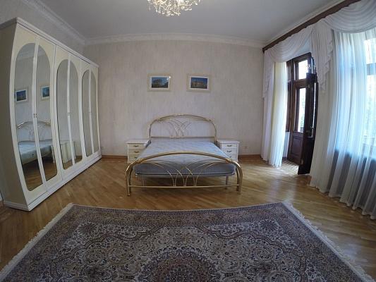 4-комнатная квартира посуточно в Одессе. Приморский район, пер. Чайковского, 10. Фото 1