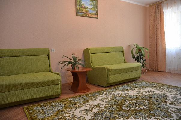 2-комнатная квартира посуточно в Херсоне. Суворовский район, ул. Степана Разина, 75. Фото 1