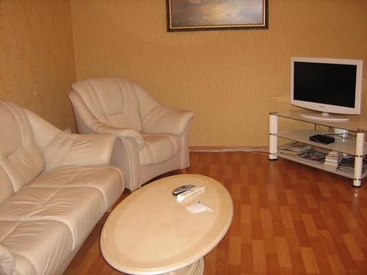 2-комнатная квартира посуточно в Донецке. Калининский район, пр-т Ильича, 19. Фото 1