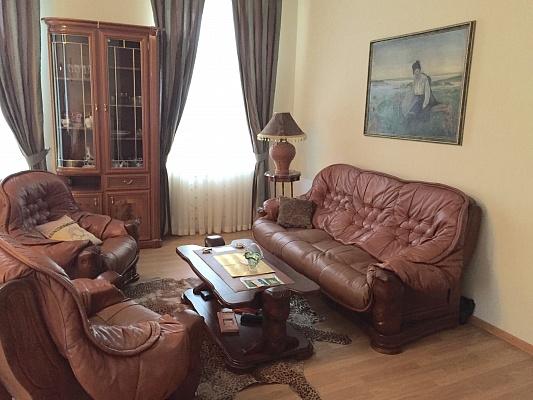1-комнатная квартира посуточно в Одессе. Приморский район, ул. Пушкинская, 68. Фото 1