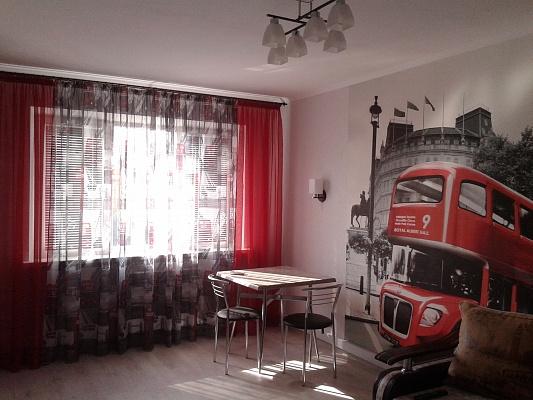 3-комнатная квартира посуточно в Керчи. ул. Всесоюзная, 1. Фото 1