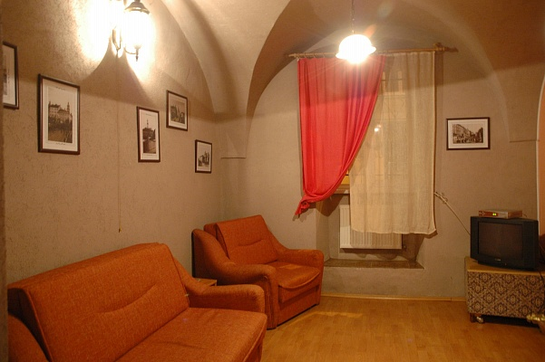2-комнатная квартира посуточно в Львове. Галицкий район, ул. Леси Украинки, 12. Фото 1