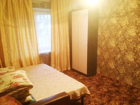 1-комнатная квартира посуточно в Киеве. Деснянский район, ул. Академика Курчатова, 3а. Фото 1