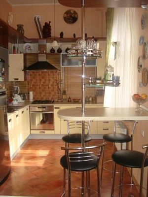 3-комнатная квартира посуточно в Одессе. Приморский район, ул. Осипова, 34. Фото 1