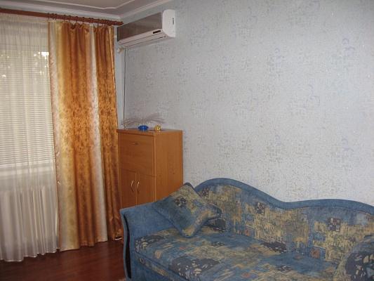 1-комнатная квартира посуточно в Сумах. Ковпаковский район, пр-т Шевченко, 7. Фото 1