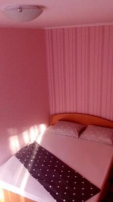 2-комнатная квартира посуточно в Киеве.  Донца, 18 а. Фото 1