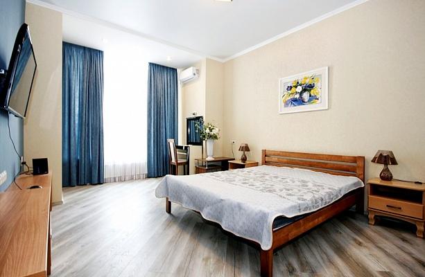 2-комнатная квартира посуточно в Одессе. Приморский район, б-р Французский, 22к1. Фото 1