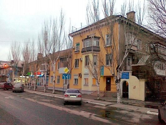 3-комнатная квартира посуточно в Бердянске. улица Свободы , 40. Фото 1