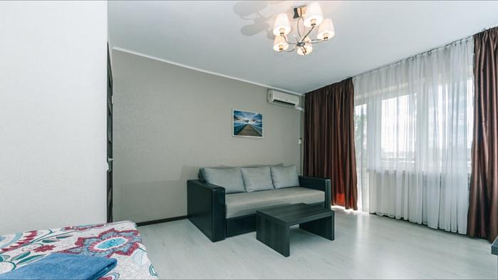 1-комнатная квартира посуточно в Киеве. Печерский район, Кловский спуск, 20. Фото 1