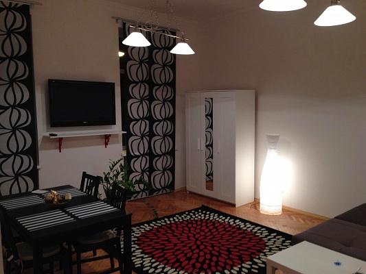 2-комнатная квартира посуточно в Львове. Галицкий район, Кулиша, 39. Фото 1