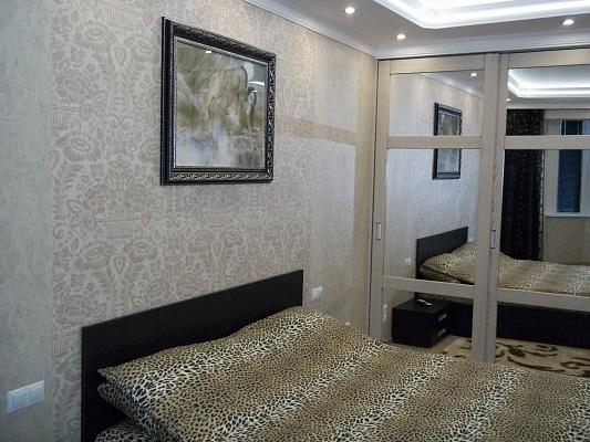 1-комнатная квартира посуточно в Ровно. ул. Вячеслава Чорновола, 60. Фото 1