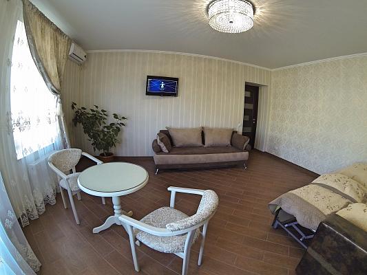 2-комнатная квартира посуточно в Виннице. Ленинский район, ул. Брацславская, 69. Фото 1