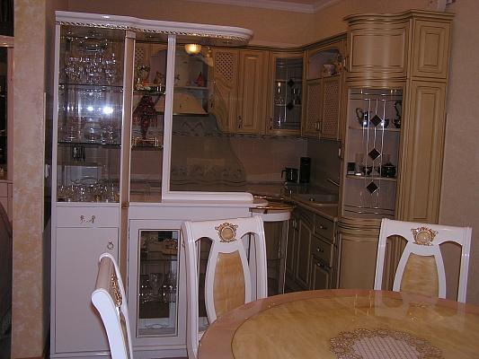 2-комнатная квартира посуточно в Одессе. Приморский район, ул. Тенистая, 9/12. Фото 1