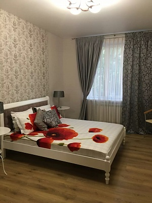 2-комнатная квартира посуточно в Запорожье. Орджоникидзевский район, пр-т Соборный, 190. Фото 1
