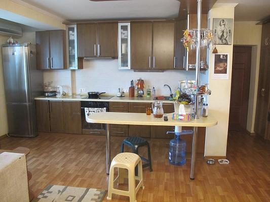 3-комнатная квартира посуточно в Одессе. Приморский район, ул. Педагогическая, 16-а. Фото 1