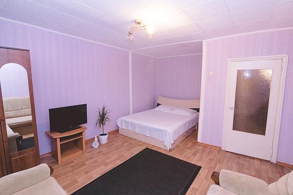 1-комнатная квартира посуточно в Сумах. Заречный район, ул. Заливная, 13. Фото 1