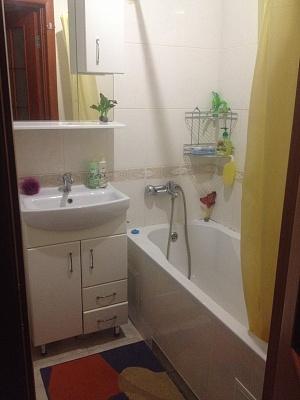 1-комнатная квартира посуточно в Бердичеве. ул. Житомирская, 117. Фото 1