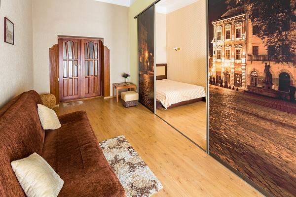 1-комнатная квартира посуточно в Львове. Галицкий район, ул. Курбаса, 8. Фото 1