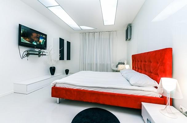 2-комнатная квартира посуточно в Киеве. Голосеевский район, Большая Васильковская, 54. Фото 1