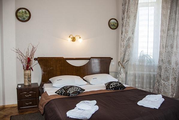 2-комнатная квартира посуточно в Киеве. Шевченковский район, ул. Стрелецкая, 32. Фото 1