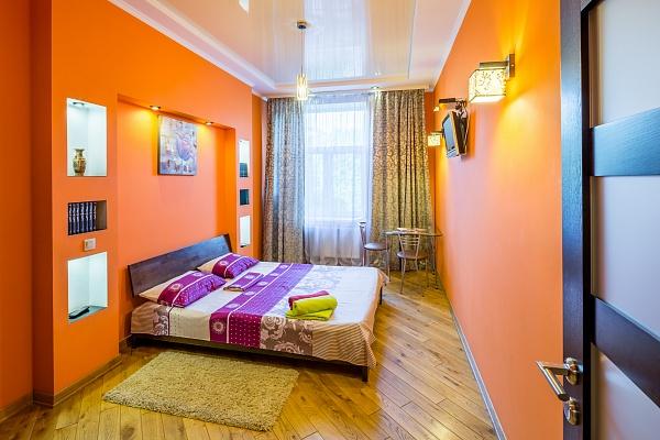 2-комнатная квартира посуточно в Львове. Галицкий район, пр-т Черновола, 17. Фото 1